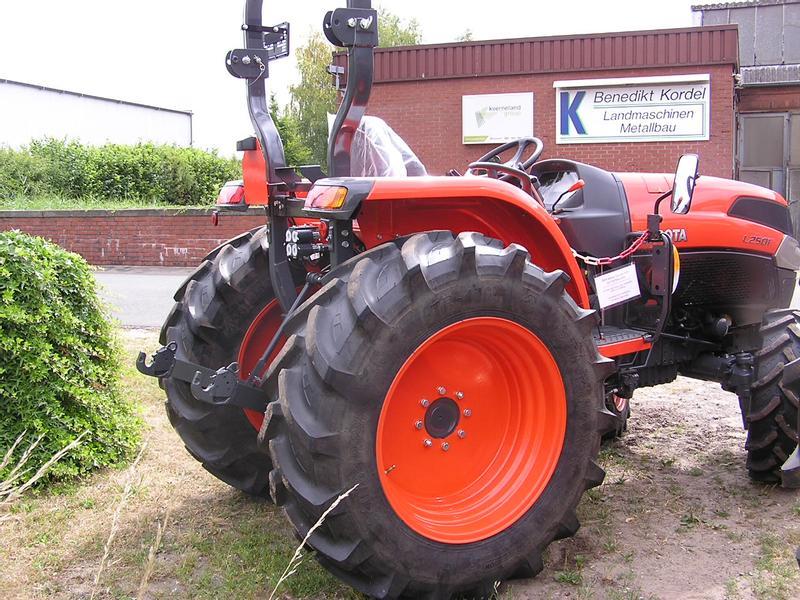 Kubota L2501 Tractors Used in 48268 Greven, Germany (4140010