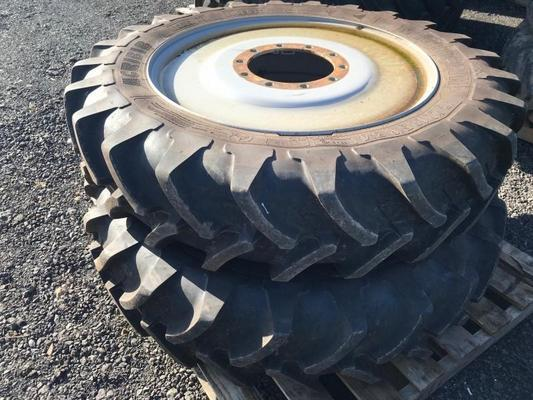 T219507C - Row Crop Welded Wheels