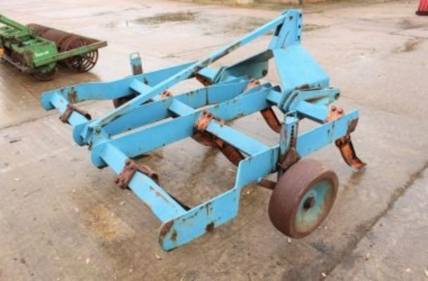 Other TWOSE 8' MOUNTED CHISEL PLOUGH