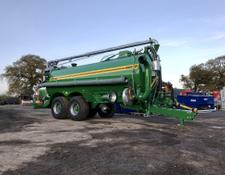 Conor 4000 Gallon Tanker With Over Hedge Boom