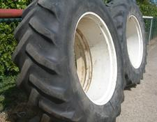 Goodyear SUPER TRACTION RADIAL DUBBELLUCHT