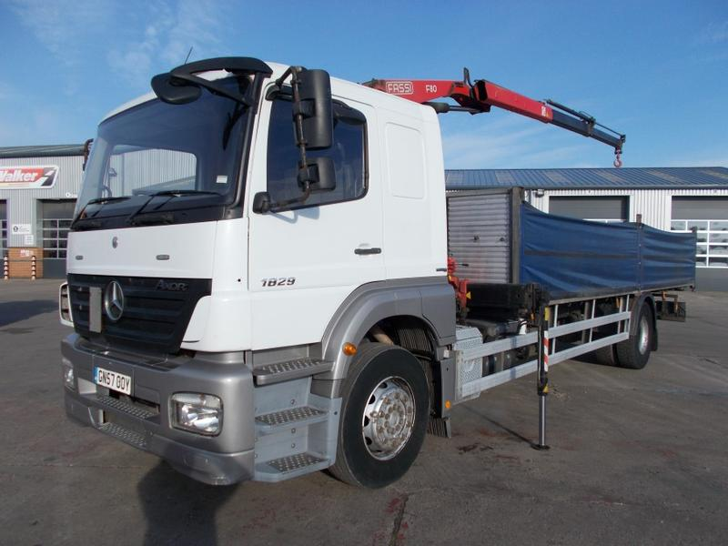 MERCEDES BENZ AXOR 1829 4 X 2, 18 TONNE FLATBED/CRANE - 2007 - GN57 OOY