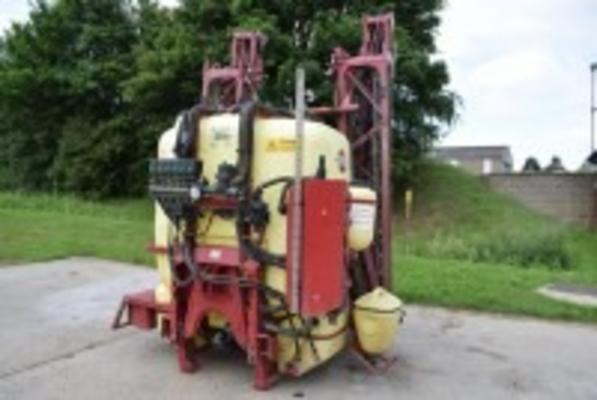 HARDI Master 1800 Plus 24m Mounted Sprayer