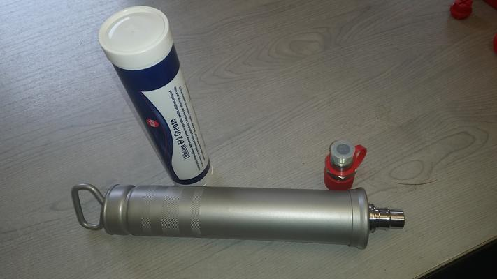 CENTRAL GREASE FILLER GUN c/w ADAPTER