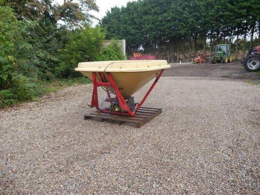Vicon  PS602 Vari-Spreader