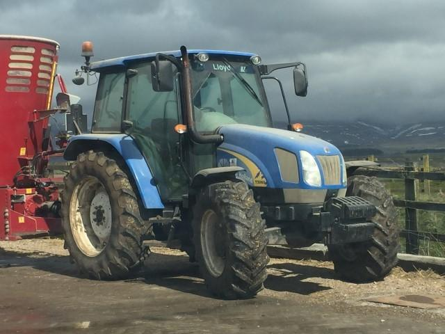 New Holland T5060 Deluxe Tractor