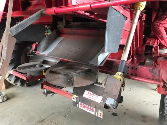 Case IH used  shaff spreader kit for case ih axial flow combine d'occasion