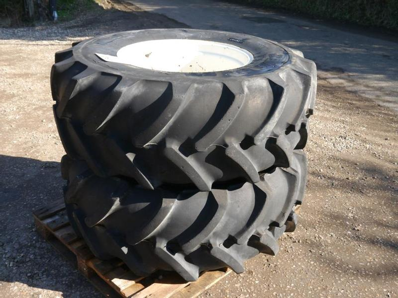 Set of Wheels to fit New Holland Tractor