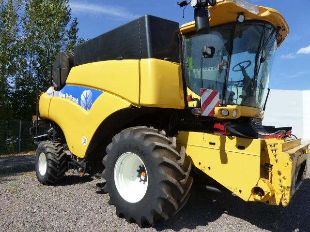 New Holland CR9070 ELEVATION