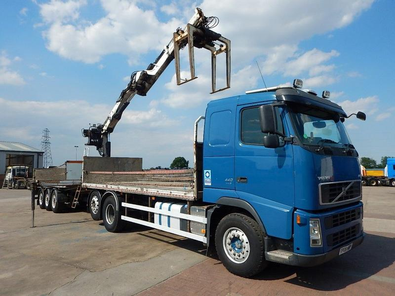 Volvo FH 440 EURO 5, 6 X 2 DRAWBAR BRICK/CRANE AND TRAILER - 2008 - TP08 HBP