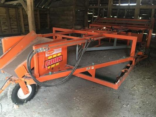 2009 COOKS RITCHIE FLAT 8 HYDRAULIC SUPER SLEDGE C/W REAR WINDROWER.