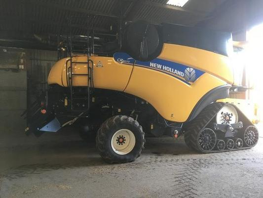 New Holland 2013  CR9070 Smart Trax combine