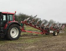 Kverneland 8F PLOUGH ON LAND AND IN FURROW