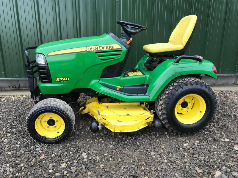 John Deere X748 Ultimate