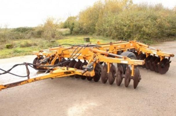 "Simba  1B 14'9""HYD FOLD TRAILED DISC HARROWS"