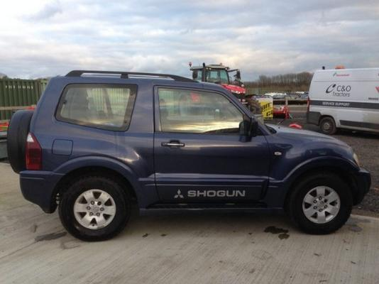 Mitsubishi  SHOGUN DI-D EQIP PICK-UP TRUCK
