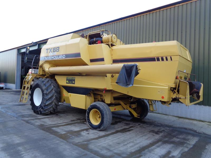 New Holland TX68 Combine