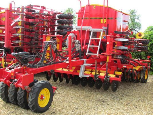 Väderstad VADERSTAD RAPID A400S, 2009, 4 metre, New Wearing Parts, 1906 hectares