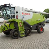 Used Claas Lexion 770 TT Combine harvesters for sale