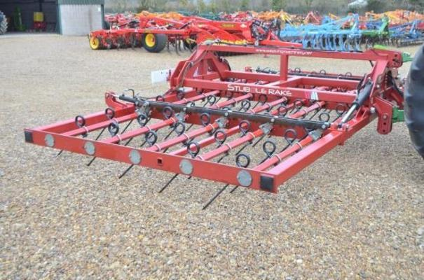WEAVING STRAW RAKE 6M 10339 (FOR HIRE)