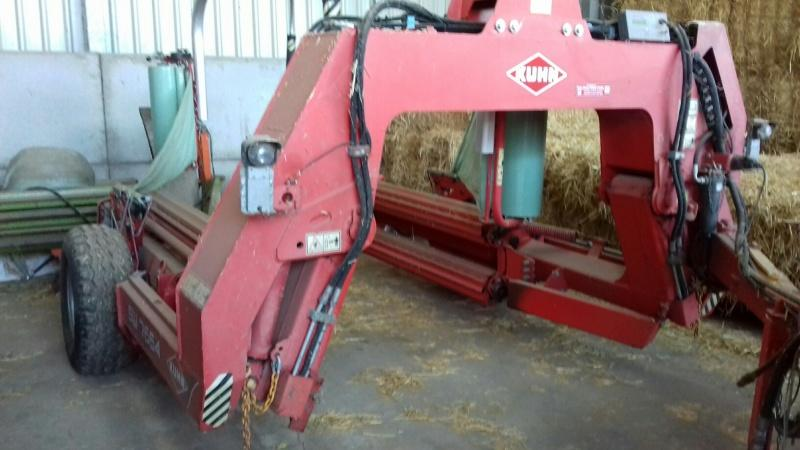 Kuhn SW7664 square and round baler wrapper