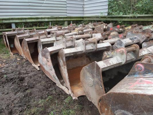 Other HUGE SELECTION OF GEITH 13 TONNE EXCAVATOR BUCKETS