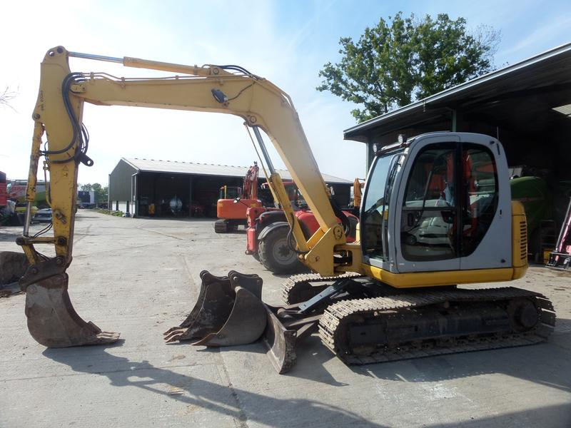 New Holland E80 MSR EXCAVATOR
