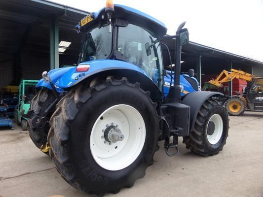 New Holland  T7-245