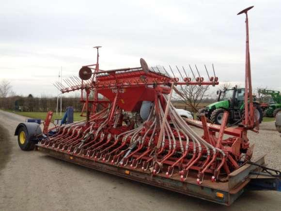 Lely / Accord 5M Combination c/w Trailer