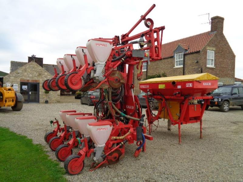 Maschio Gaspardo 8 Row Maize Drill C/W Fertiliser Front Tank