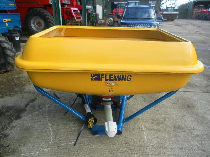 Fleming NEW FLEMING WAGTAIL FERTILIZER SPREADERS
