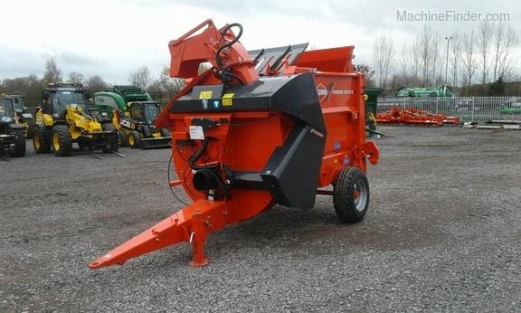 Kuhn *NEW* 3570M Strawchopper & Feeder