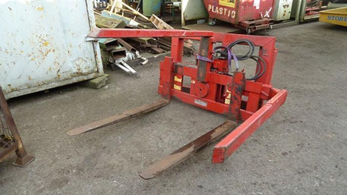 Other Broadwater 1ton box rotator, Matbro brackets.