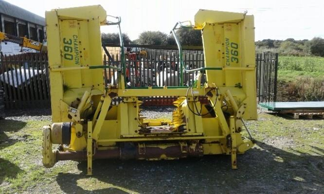 Other Self-Propelled Forage Harvester Heads: Windrow Kemper Champion 360