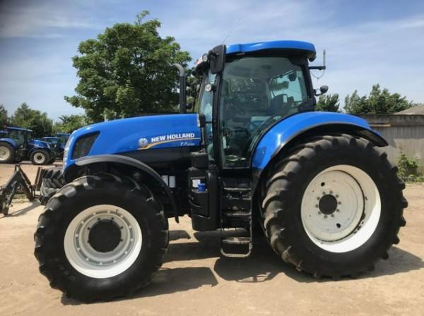 New Holland T7.235 SIDE WINDER