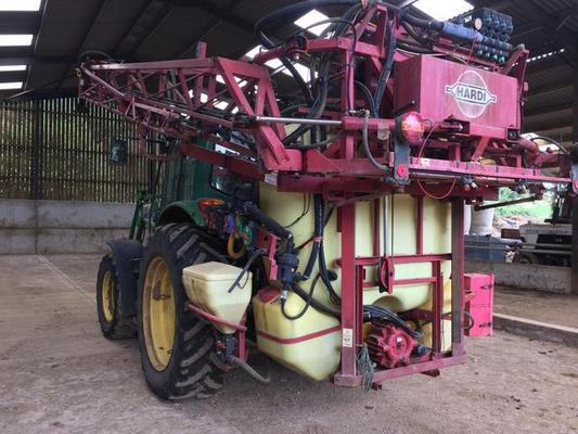 1999 HARDI MEGA LPZ 1200 TRACTOR MOUNTED SPRAYER C/W 1200L TANK, 20M BOOM,INDUCTION,WASH, HC2500 RATE GOVERNOR