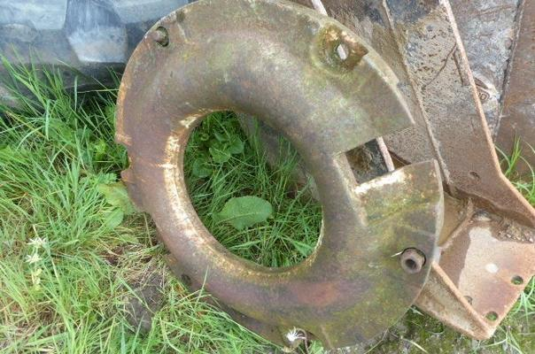 FORD REAR TRACTOR WEIGHT