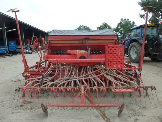 Kverneland  4 METRE COMBINATION DRILL