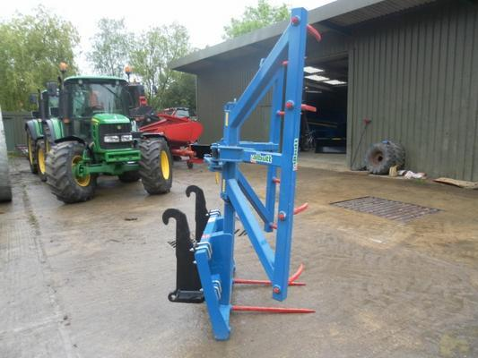 Other ALBUTT F501 ROUND AND SQUARE BALE STACKER