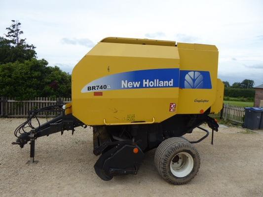 New Holland NEW HOLLAND BR740A