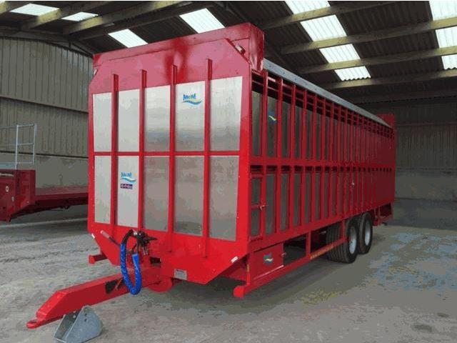 MCM 26ft Livestock Trailer With Hydraulic Sheep Decks