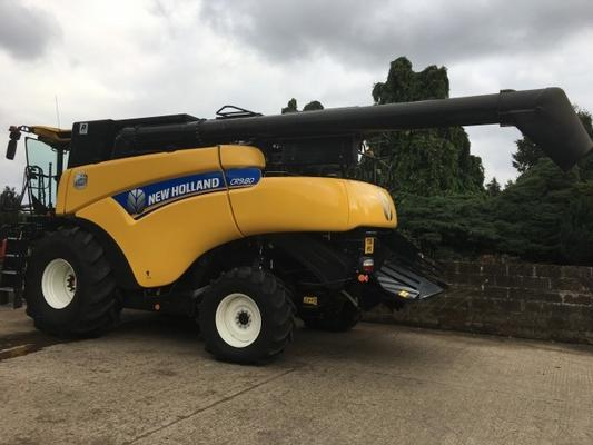 New Holland  CR 9.80 Combine Harvester