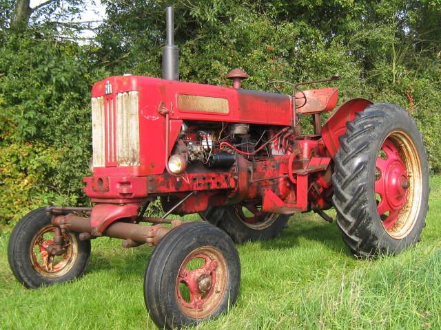 International McCormick B614 row crop tractor