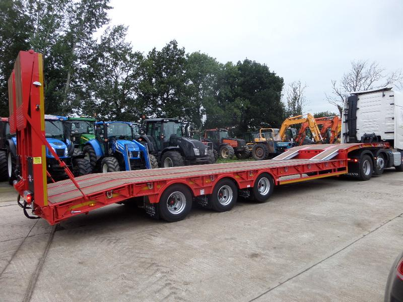 King GTS44 TRI AXLE LOW LOADER
