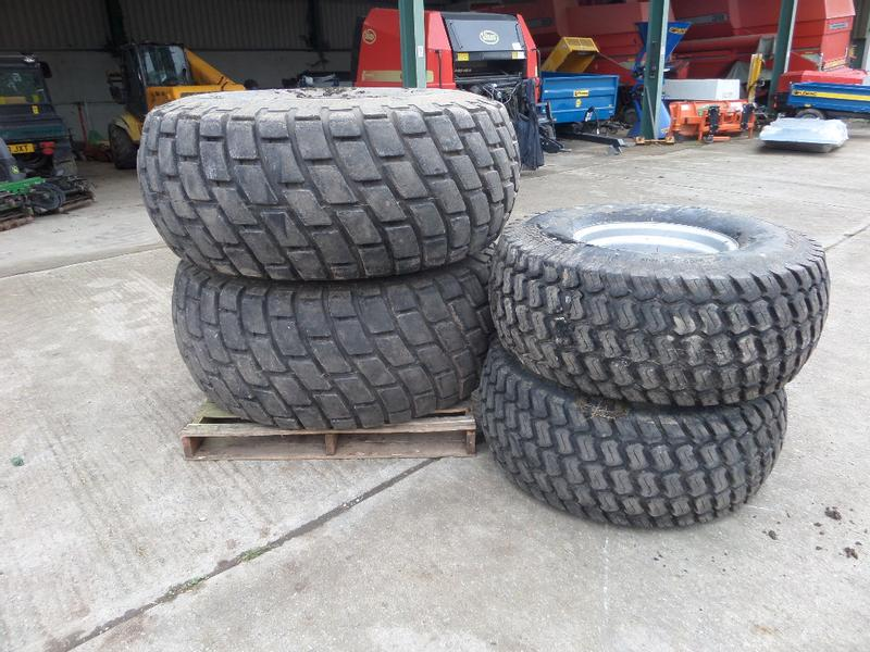SET OF 4 WHEELS AND TURF TYRES