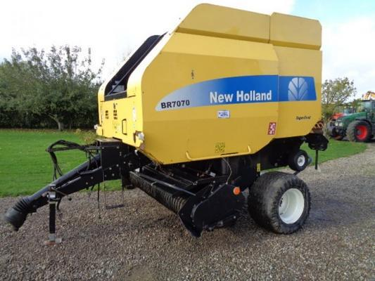 New Holland Used  BR7070 round baler