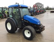 New Holland TCE 40 Tractor (ST5944)