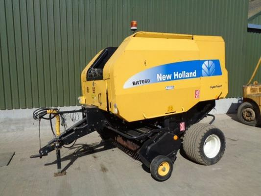 New Holland Used  BR7060 Round Baler